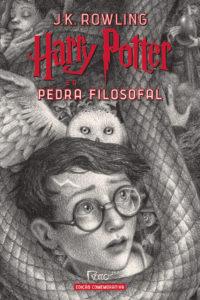 Capa de Harry Potter e a pedra filosofal (CAPA DURA) – Edição Comemorativa dos 20 anos de Harry Potter